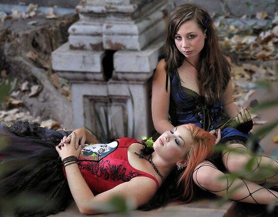 beauty in ruins 2 by Lenny La Rue, IPA