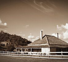 OXLEY DOWNS HOMESTEAD. by Helen Akerstrom Photography