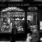 Little Betty's - Stonegate - York by Dimbledar