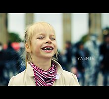 A child´s laughter by smilyjay