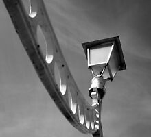 Looking up at Ha'Penny bridge by Esther  Moliné