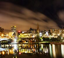 Melbourne by Night panorama by Gavin Poh