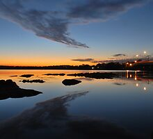 Tuggerah Lake,Toukley Bridge,NSW,Australia. by Warren  Patten