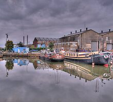 Houseboats at Gravesend Marina by brianfuller75