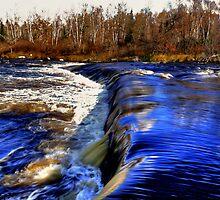 Rainbow Falls by Larry Trupp
