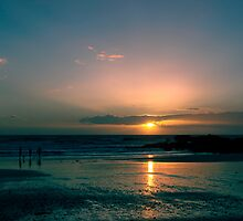 Last Surf Of The Day by picturistic