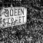 Queen street sign by Jari Vipele