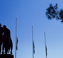 Simpson's Silhouette, Melbourne's Shrine of Remembrance, 31 Mar 2002 by Andrew Brooks