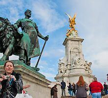 Queen Victoria Memorial: Buckingham Palace, London. UK. by DonDavisUK
