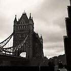 Tower Bridge, London by Janis Möller