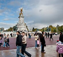 Queen Victoria Memorial: Buckingham Palace, London, UK. by DonDavisUK