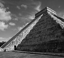 Pyramid of the Sun by elisaphotoart