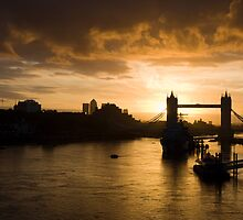 Tower Bridge in the morning by Russell Bruce
