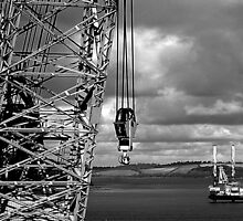 OIL RIG & A CRANE  by AndyReeve