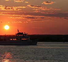 Sunset, Gallilee, Rhode Island by cindyh