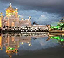 Mosque  Sultan Omar Ali Saifuddin in Brunei by reisefoto