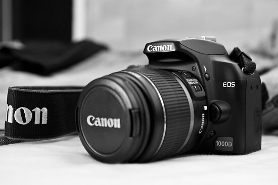 Canon 1000D Casual Product Photo by Martin Lačný