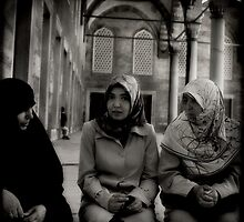 Women at Blue Mosque by Morten Kristoffersen