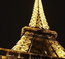Eiffel Tower at Night by kbudz