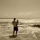 daddy & daughter watching the waves by piwaki