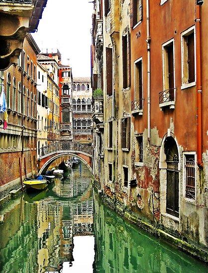 Moments in Venice  by kirkgunn