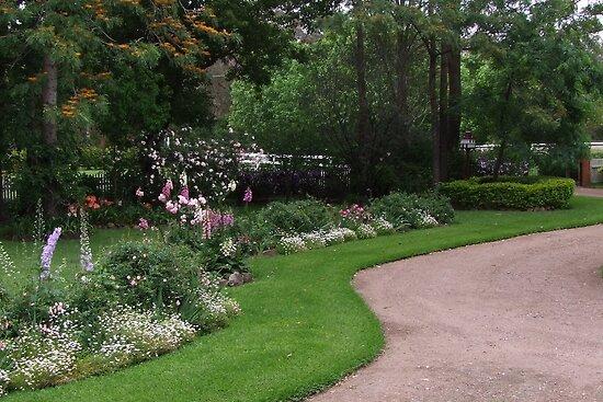 Rosalee Cottage Garden! by Gabrielle  Lees