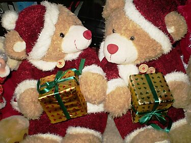 Mr & Mrs. Santa Bear - ready for Christmas by EdsMum