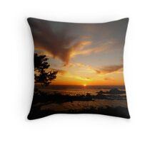 sunset on the oregon coast Throw Pillow