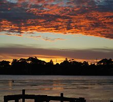 Budgewoi lake,,9-11-2010.Sunrise.. by Warren  Patten