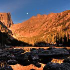 Moonset at Dream Lake by grahamsz