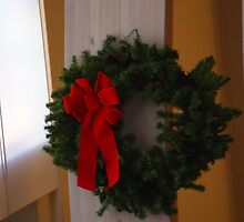 A Christmas Wreath by Loisb