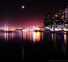NIGHT TIME MELBOURNE by Anthony Hennessy