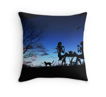 Dinner with friends Throw Pillow