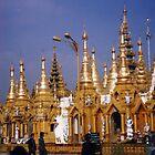 Schwedagon, Rangoon (Yangon) by tripi100