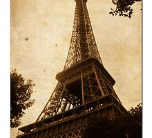 Eiffel Tower by bgillies