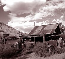 Gold King Mine near Jerome , Arizona by Alex Cassels