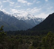 Mountain Scene in Chile's Central Valley by SkiCC