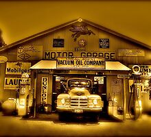 Old Garage by FLYINGSCOTSMAN