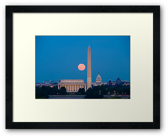 Moonrise Over Washington, DC by Oscar Gutierrez
