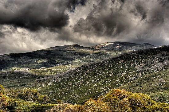 Gutthega looking towards Mt Twynam by DavidIori