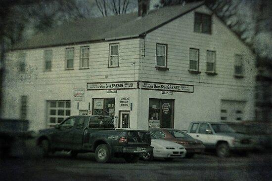 Gunn Bros. Garage by Aaron Campbell