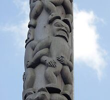 Totem Pole by SuddenJim