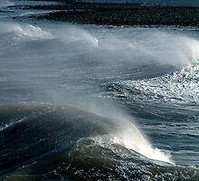 Redcar Surf by Paul  Green