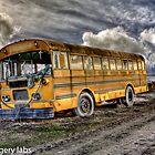 Old school-bus by maventalk