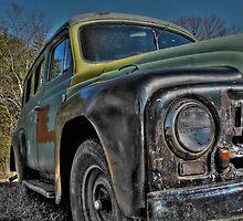 Old Car by raaronreynolds