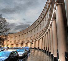Crescent portico by zumi
