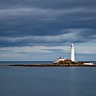 St Mary's Lighthouse by Doug Dawson