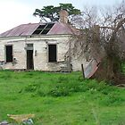 Derelict farmhouse at Werribee South, Victoria by DashTravels