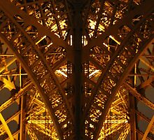 Eiffel Tower Perspective by adng