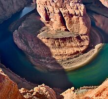 Hanging Out Over Horseshoe Bend  by photosbyflood